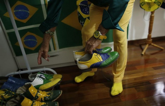 Brazil superfan Nelson Paviotti wears only team colours for 20 years
