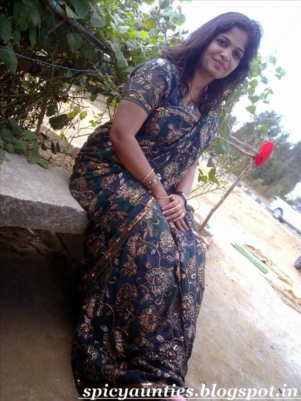 Indian Girls N Aunties Hyderabad Aunty Stripping Saree