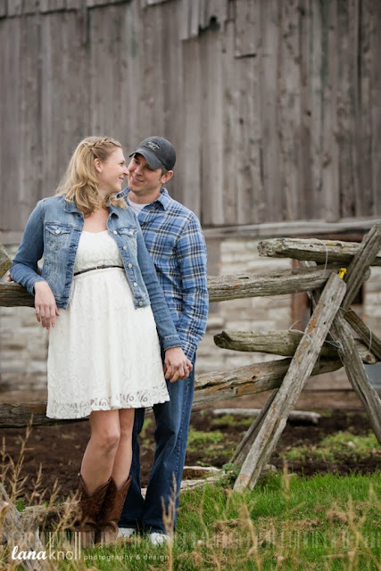 kingston engagement photography barn