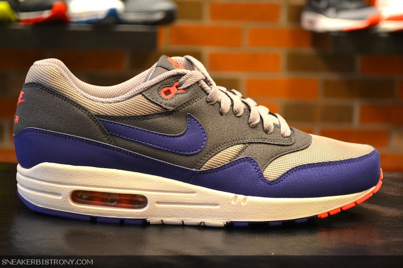 newest collection dce06 44399 KICKS   Nike Air Max 1 Essential