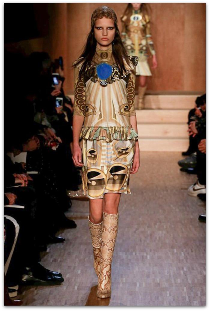 http://www.vogue.es/desfiles/otono-invierno-2016-2017-paris-fashion-week-givenchy/12375/galeria/21157/image/1106638