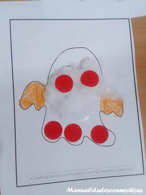 Manualidades infantiles: Fantasmas y gomets