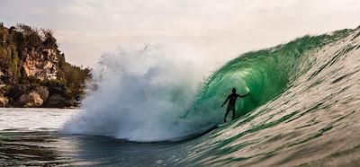 Trip_wisata-Bali-Hemat-Surfing-Pantai-Padang-Padang-Bali