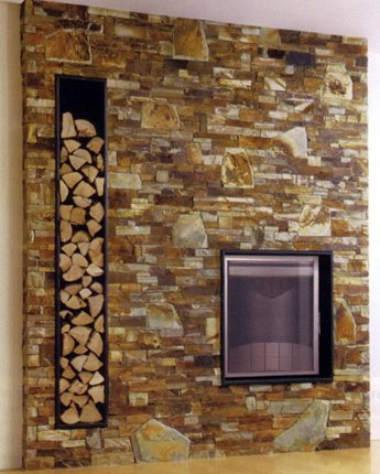 Стена в стил рустик с вградена камина