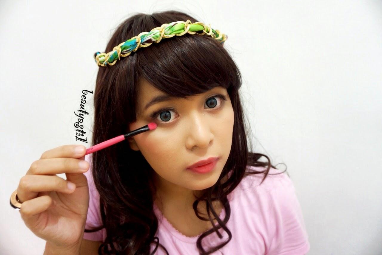 cara-pakai-short-eyeshadow-brush.jpg