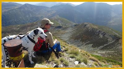 Junto al buzón de cumbre en el Pico Valdeiglesias