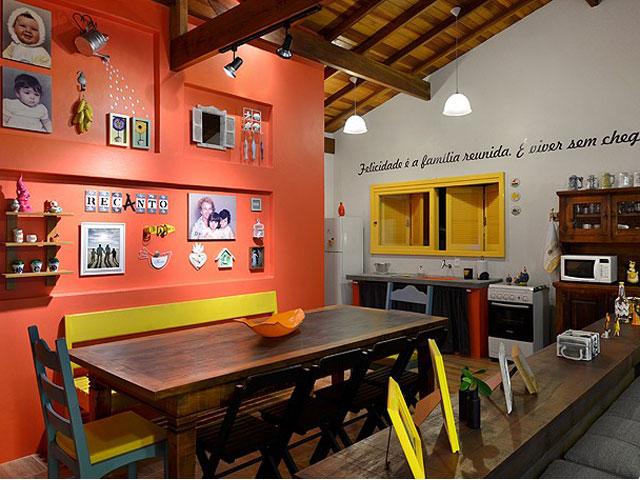 sala-jantar-casa-colorida-tramandai