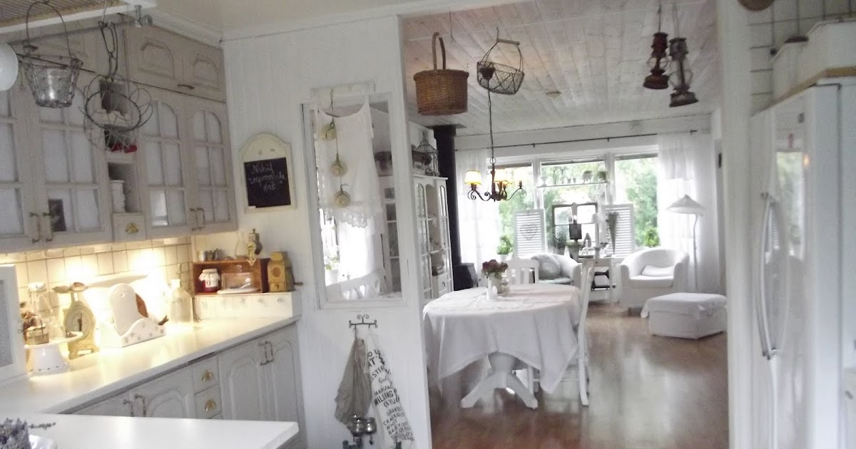 BOISERIE & C.: Programmi per oggi? Riverniciare la Cucina