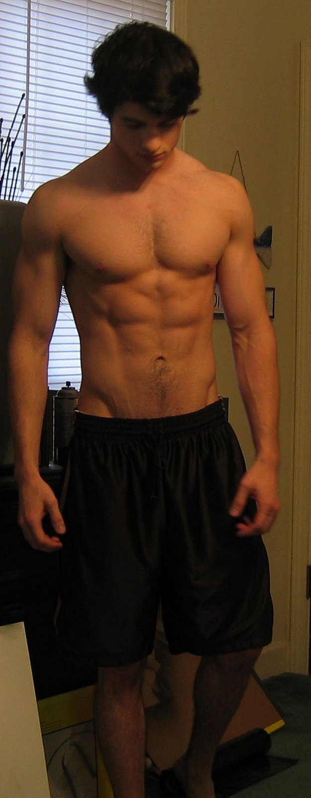 shirtless-sexy-boy-next-door