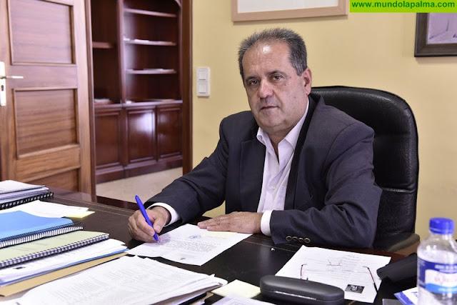 Jose  Luis  Perestelo  muestra  su  satisfacción  a  la  aprobación de la modificación del REF, sobre todo por  lo que concierne al agua de riego