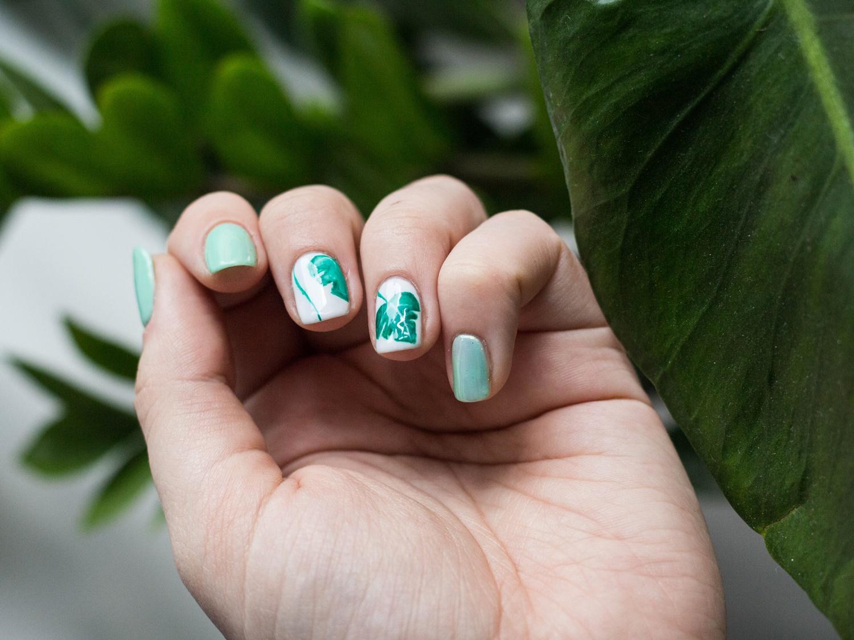 manicure-z-liśćmi