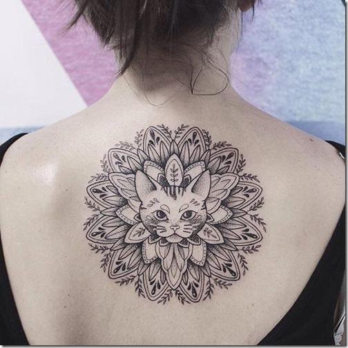 Tatuagens femininas para as costas