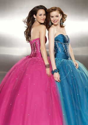 9a9d640095 All Prom Dresses are on sale 10%-15% off! We all love a good sale! And  don t forget to plan your after hours prom shopping party