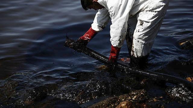 Τεράστιες οι συνέπειες από την πετρελαιοκηλίδα - Έως τα 500 εκατ. ευρώ οι απώλειες