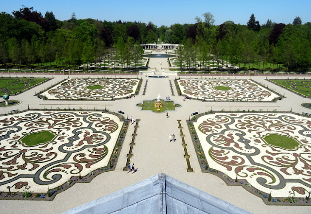 Part Two of ?Het Loo Palace?: Baroque Dutch Garden Views from the Palace Rooftop Terrace