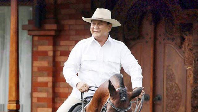 Prabowo Naik Kuda