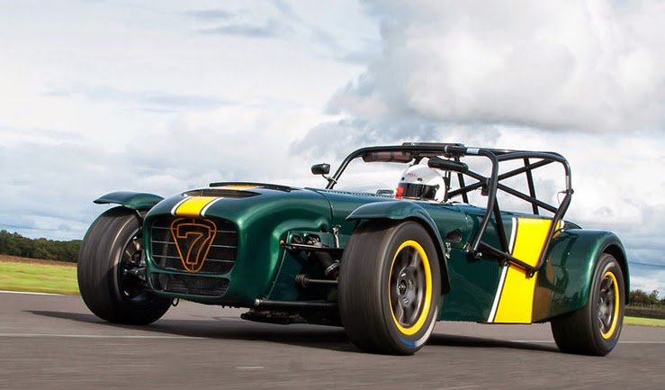 Caterham with 8 spoke anthracite wheels with yellow rim.