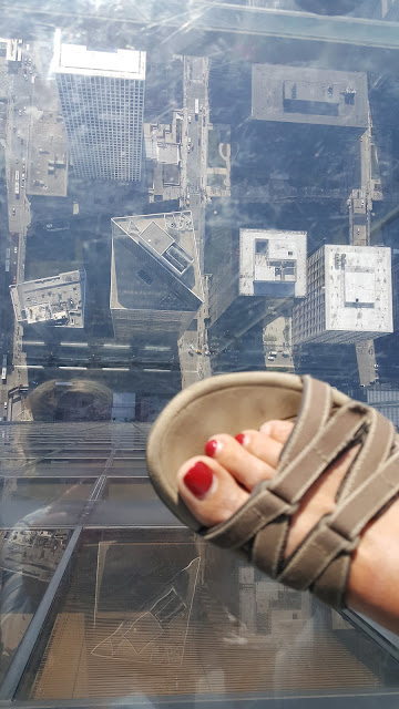 skydeck-glass-floor