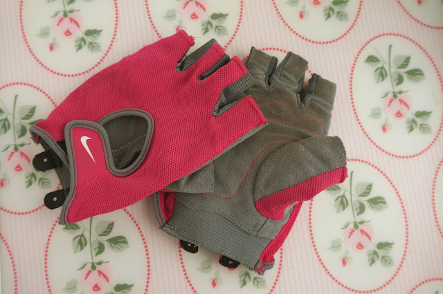 Teacups_and_Buttondrops_Nike_Training_Gloves