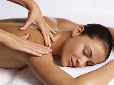 Hướng dẫn massage toàn thân cho bạn gái-1