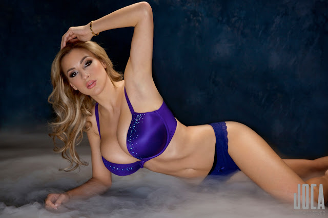 Jordan-Carver-WWL-Photo-Shoot-in-Hot-Blue-Bikini-HD-Picture-18