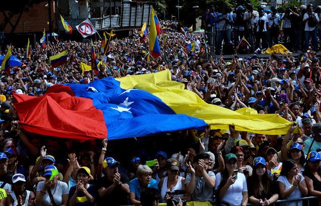 Venezuela: Juan Guaidó asume como presidente encargado