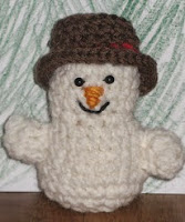 http://www.ravelry.com/patterns/library/little-snowpeople