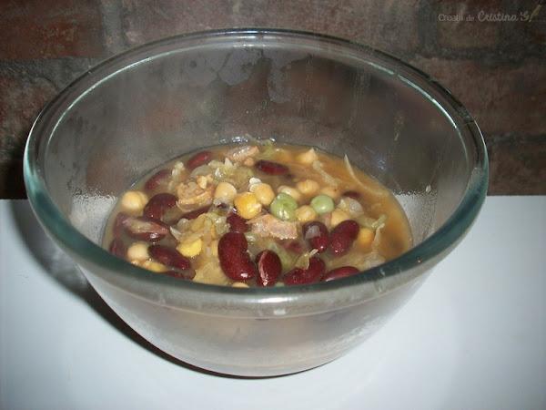 Supa groasa cu naut, varza, fasole - Reteta de post fara gluten