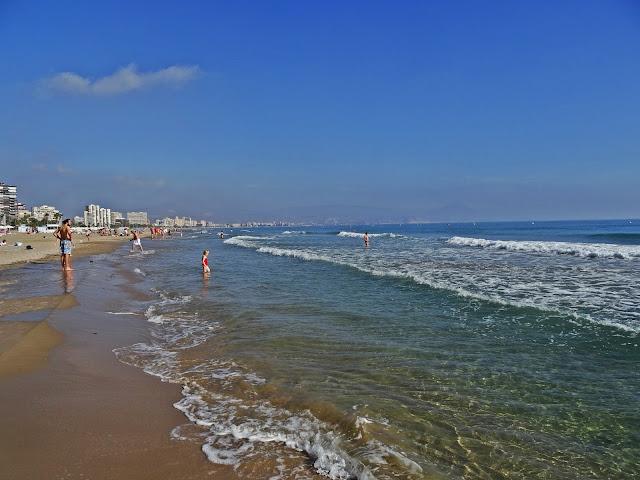 pogoda w rejonie Alicante poza sezonem jaka?