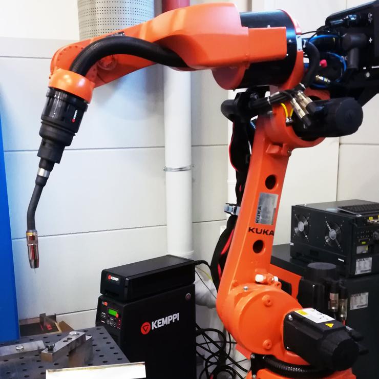 Сварочная горелка Kemppi A7 MIG Gun 500-w на роботе KUKA
