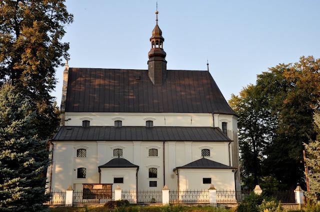 Romański kościół w Kościelcu Proszowickim
