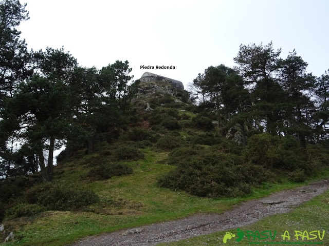 Ruta al Pico Gobia y La Forquita: Vista de Piedra Redonda