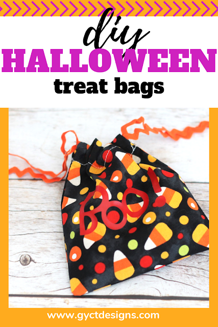Simple tutorial on how to make DIY Halloween treat bags for school parties, family gatherings or as gifts for friends and family.