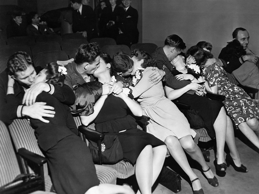 60 + 1 Heart-Warming Historical Pictures That Illustrate Love During War - Husbands Kiss Their Wives After Coming Back From War, 1940s