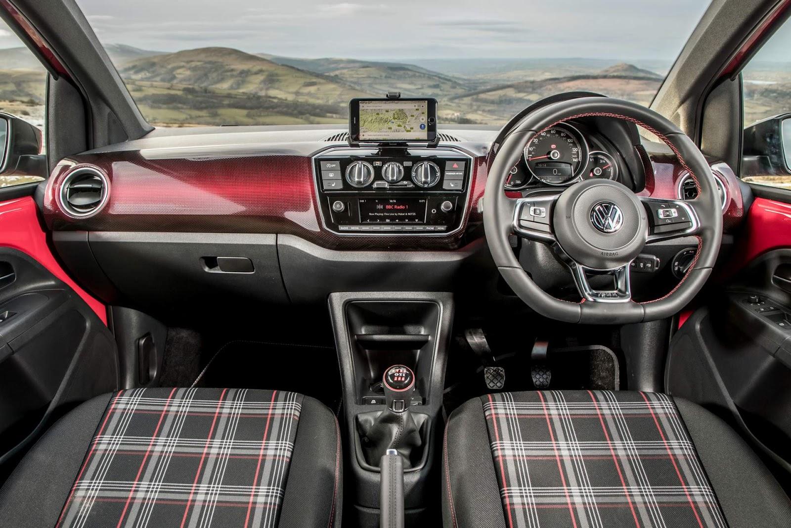volkswagen up gti chega inglaterra por r 62 5 mil car blog br. Black Bedroom Furniture Sets. Home Design Ideas