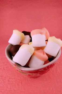 材料2つ!マシュマロとチョコレートを使ったカラフルお菓子