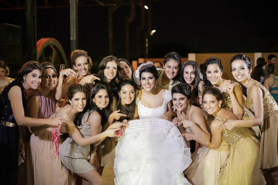 casamento-lindo-singelo-luzinhas-festa-barra-vestido-noiva-nome-solteiras-1