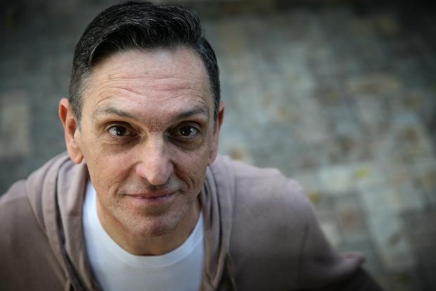 Paulo Miklos apresenta novo álbum no Sesc Santana