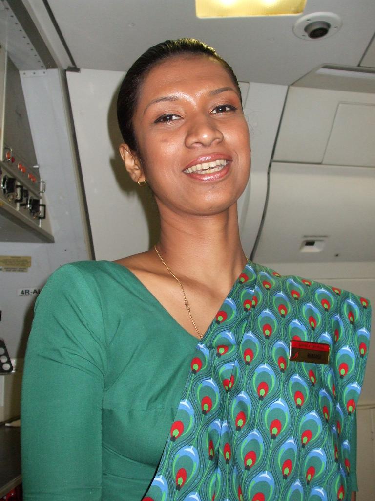 Air lanka hot air hostess pictures