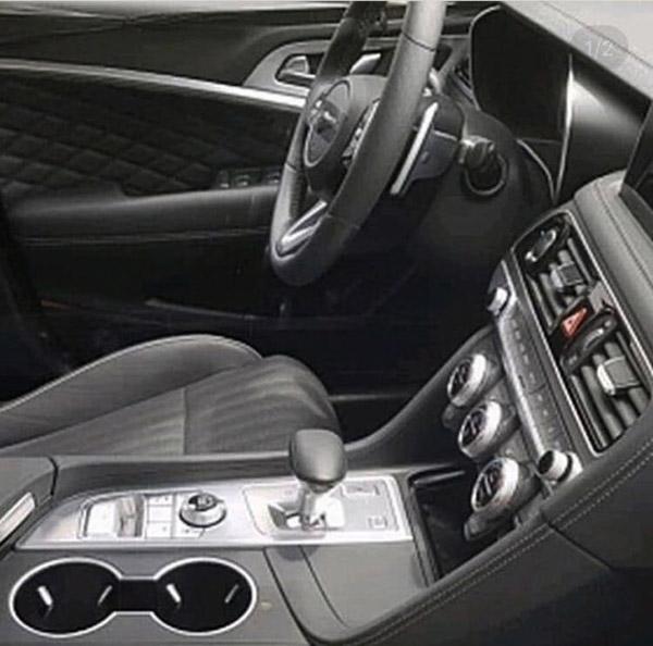 Burlappcar: 2018 Genesis G70 Interior