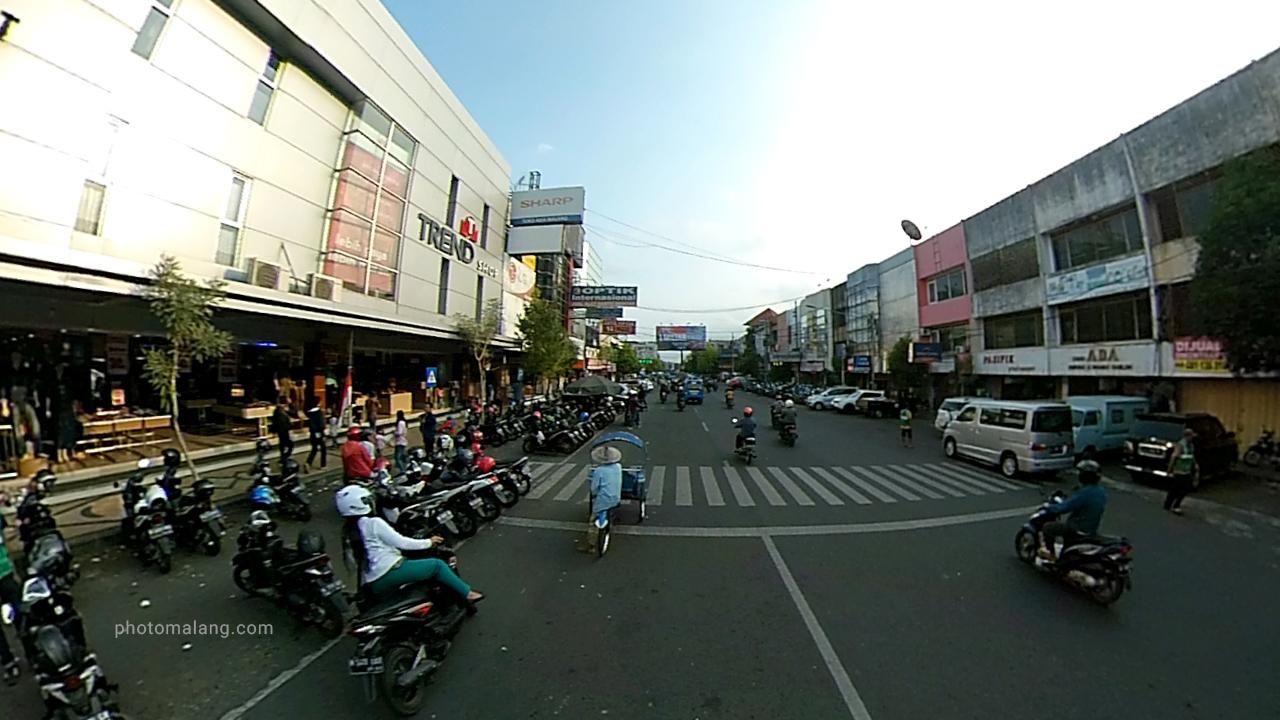 Foto Toko Trend Jadul yang tidak pernah sepi