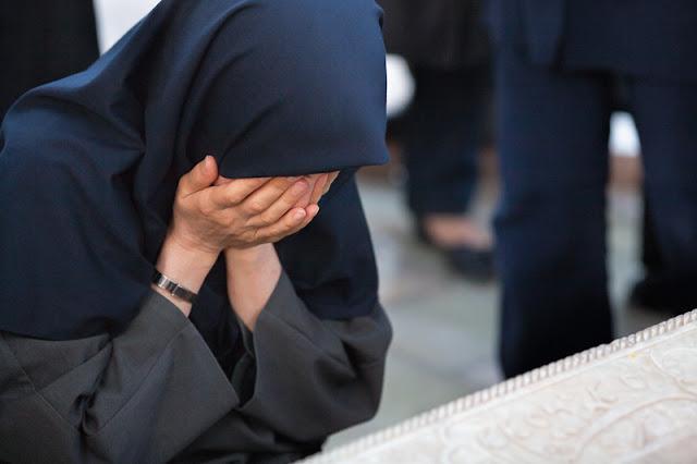cukup baca doa untuk orang yang telah menyakiti hati kita, jangan pernah menyimpan dendam