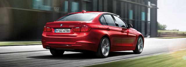 Thiết kế của BMW 320i trông mượt mà hơn Camry 2015