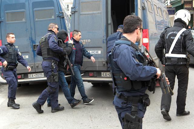 Εννέα συλλήψεις στην Αργολίδα για όπλα, κλοπή ρεύματος και παράνομη διαμονή στη χώρα