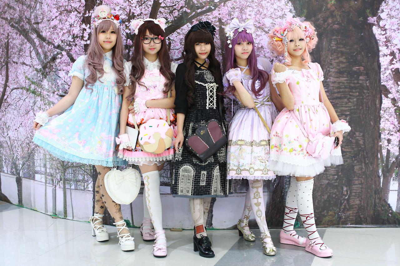 9 Cewek Hijab Pakai Dress Lolitaes that reveal 9 Cewek Hijab Pakai Dress Lolita circle court buderim