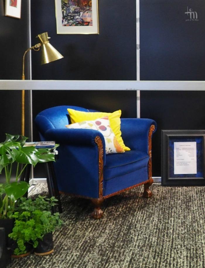 sininen nojatuoli, viherkasvit - rakenna ja sisustamessut
