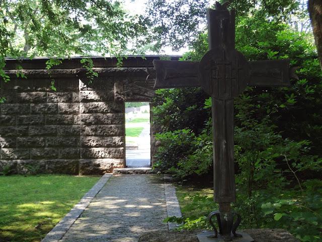 Entrada al cementerio aleman en Luxemburgo