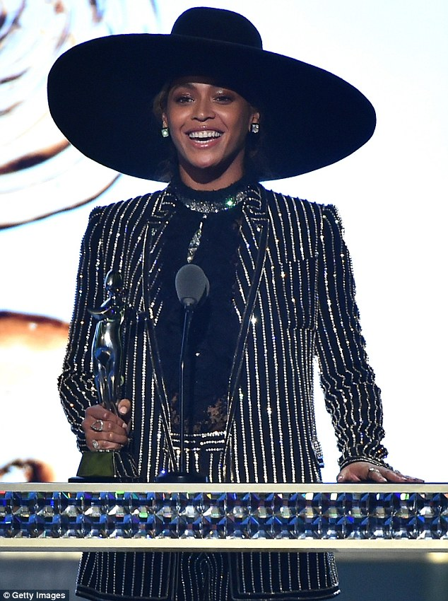 Beyonce wins CFDA Fashion Icon Award