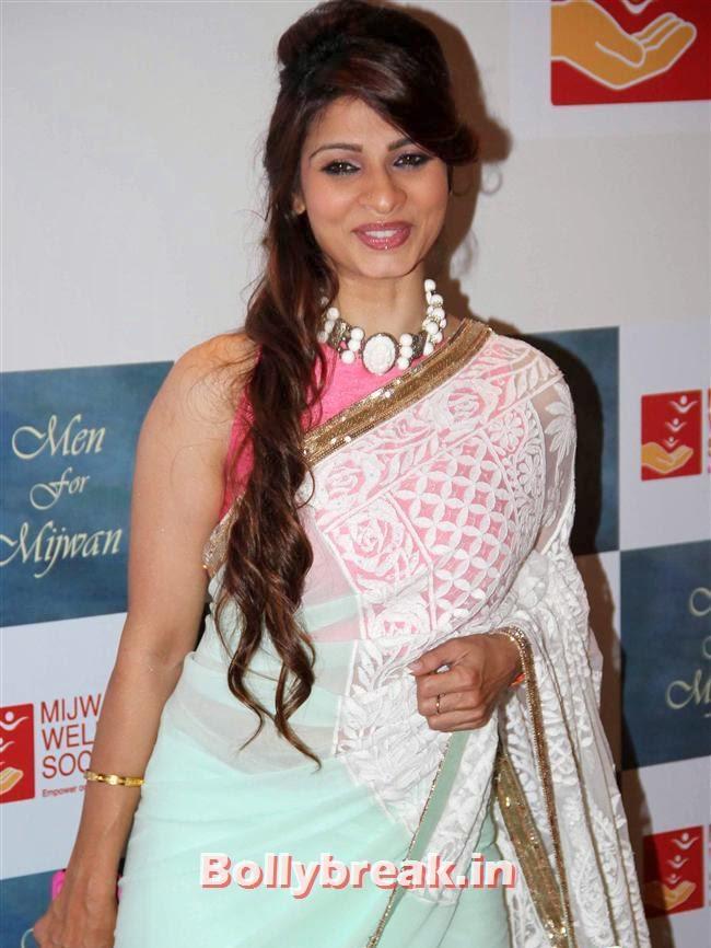 Tanisha Mukherjee, Top Bollywood Celebs at Men For Mijwan Charity Fashion Show