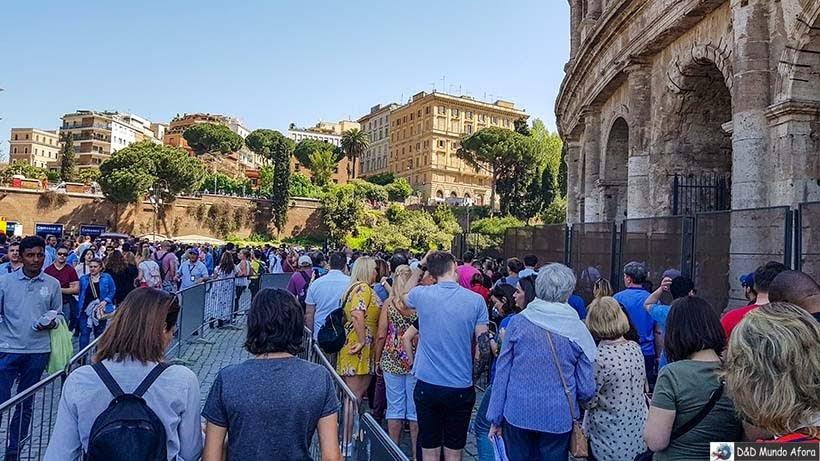 Entrada privilegiada de quem está com guia de turismo - Coliseu de Roma com mamis: como visitar